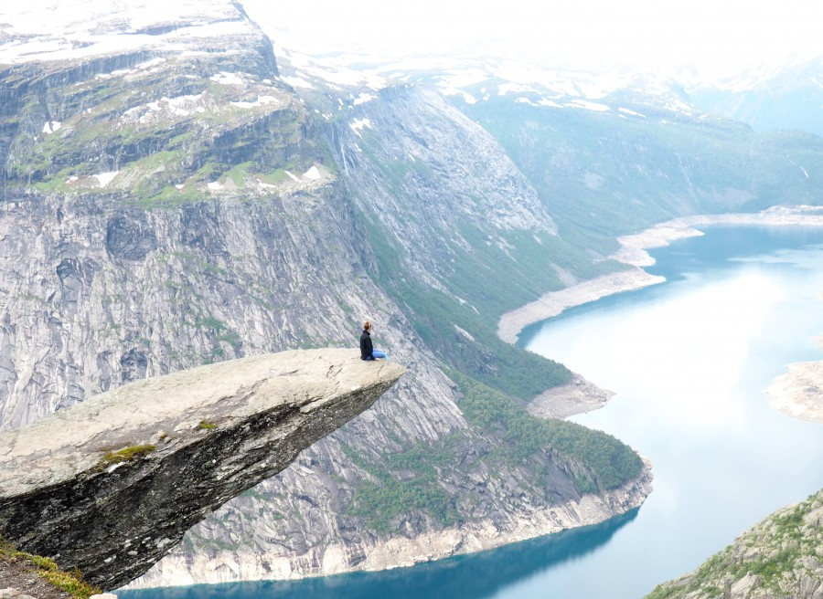 trolltunga hike review